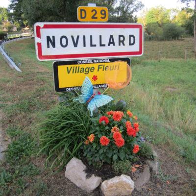 image d'entrée du village depuis Petit-Croix